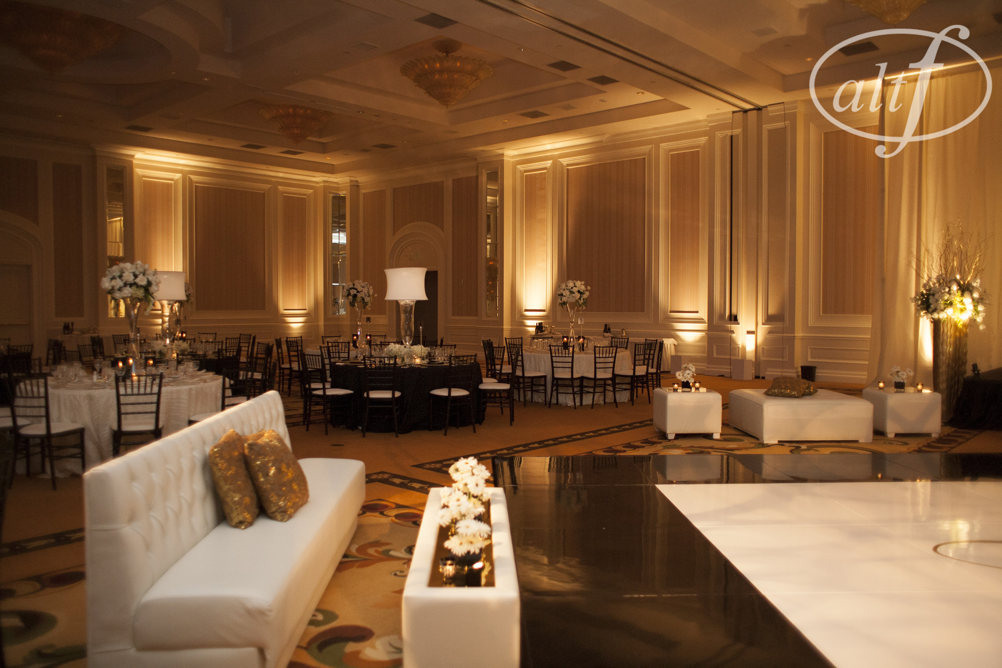 Banquet Halls In Las Vegas For Rent : Wedding reception lounge style