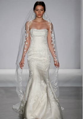 Wedding dress bridal spectacular weighs in on kate for Wedding dress rental boston
