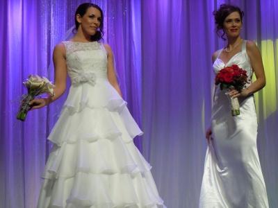 Vegas wedding rings card vegasdusoleil wedding forum for Wedding dress stores las vegas