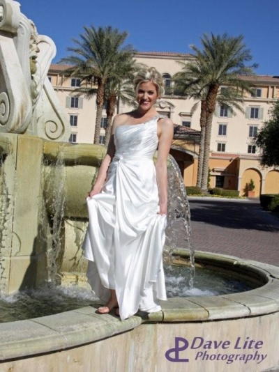 barefoot bride at fountain
