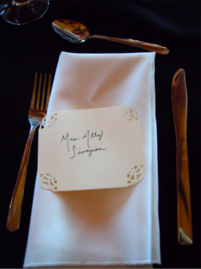 simple place card on napkin