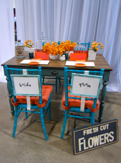 Retro Funk wedding decor tablescape