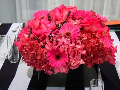 pink and black wedding centerpiece
