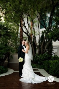 576327 411040388949452 1546922823 n 200x300 Tips for Choosing your Las Vegas Wedding Photographer