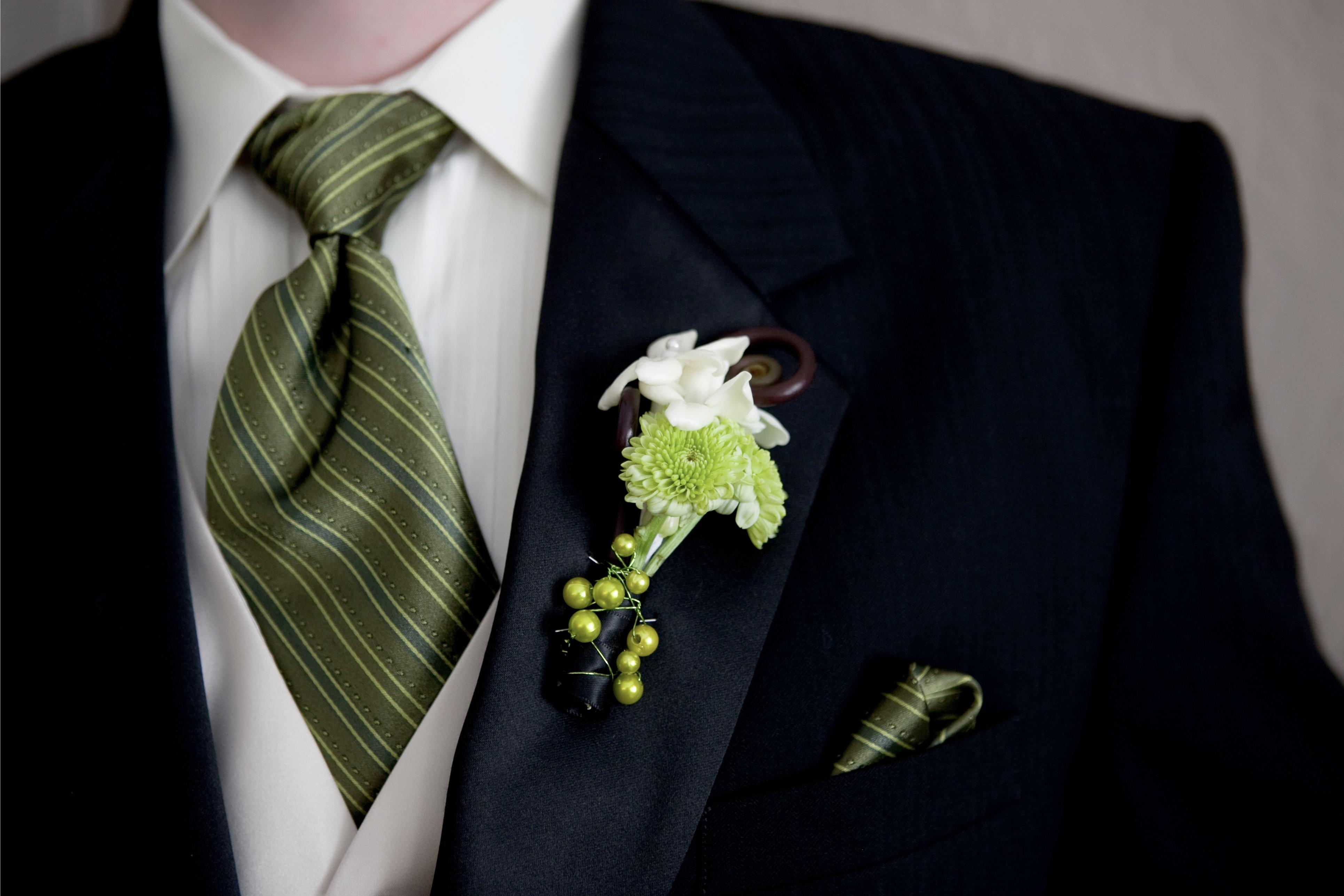 Wedding Flower Ideas For Groomsmen : Tips ideas for the groom s flowers las vegas wedding