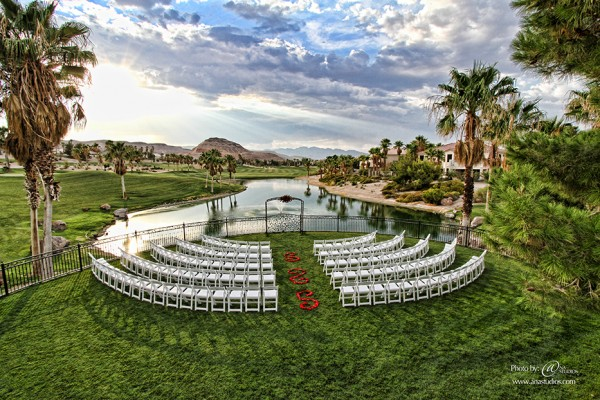 Ceremony site at Rhodes Ranch. Photo by Ana Studios.