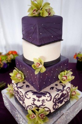 Wedding Cake with damask print