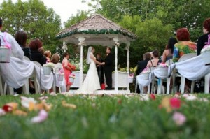 The Secret Garden Brings Outdoor Receptions Storybook Romance