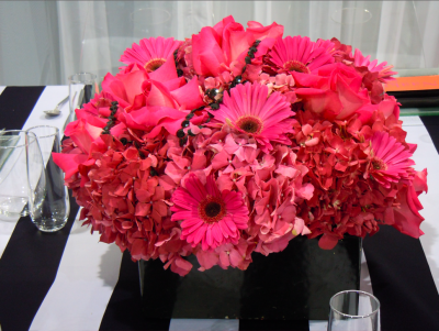 pink and black wedding centerpiece