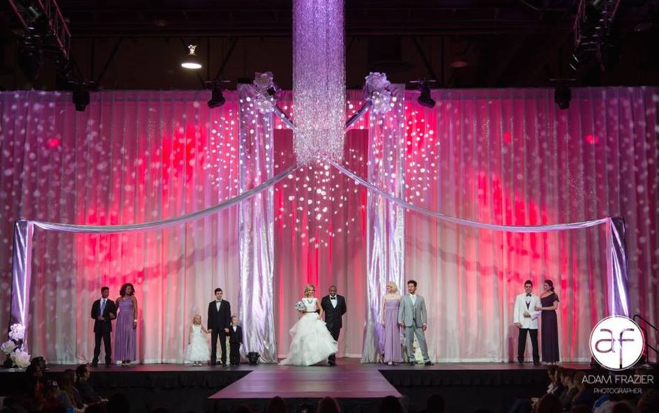 Bridal Spectacular_2017 Veils & Vino Show_008